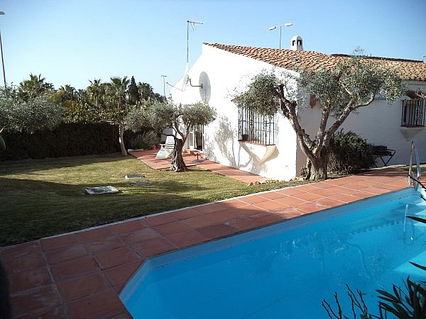 Cheapest nerja fuente del baden villa for sale with 3 bedrooms and pool - Malaga real estate ...